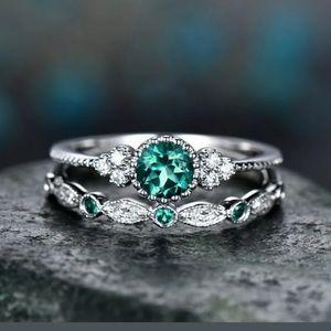 🆕 Beautiful Green CZ Rhinestones Ring 💍